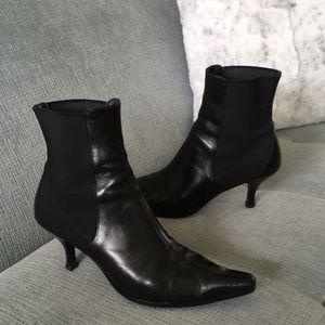 Donald J. Pliner Vibram Black Leather Heeled Boots